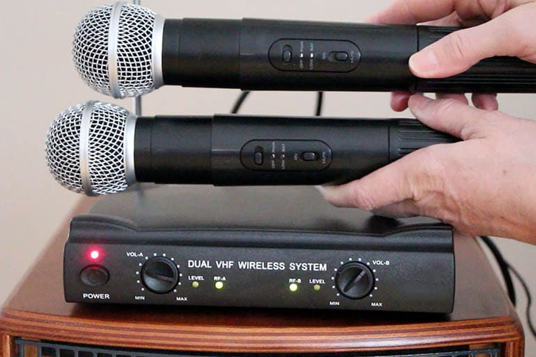 10 best wireless microphone systems 2019 reviews bestviva. Black Bedroom Furniture Sets. Home Design Ideas