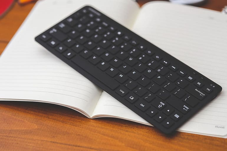 Top 10 Best Wireless Keyboards Reviewed In 2017